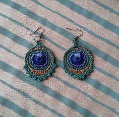 Boucles d'oreilles plumes de paon turquoises de Sissi Pâquerette sur DaWanda.com