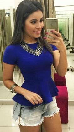 Resultado de imagen para blusa peplum con short de jeans Peplum Tops, Lazy Day Outfits, Western Dresses, Sexy Jeans, New Look, Outfit Of The Day, Casual, Ideias Fashion, Plus Size