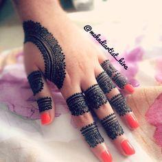 Beautiful Henna Designs, Mehndi Art Designs, Latest Mehndi Designs, Simple Mehndi Designs, Tattoo Designs, Mehndi Design Pictures, Mehndi Images, Henna Tattoos, Henna Mehndi