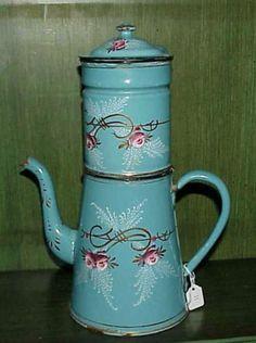 ANTIQUE/VINTAGE FRENCH ENAMELWARE COFFEE POT/BIDDIN.with rosebud design ca1920