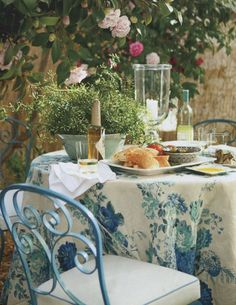 House Beautiful, blue, classic, elegant, dining al fresco
