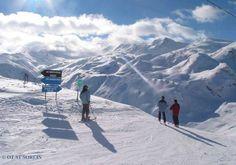 Station village traditionnel, Saint Sorlin d'Arves dispose d'un ensoleillement et d'un enneigement exceptionnels idéaux pour la pratique de tous les sports de glisse, ski et activités de montagne.