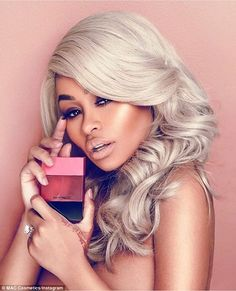 Reality TV star and Rob Kardashian's baby mama/fiancée Blac Chyna is MAC Cosmetics ambassador. Pink Lipstick Shades, Mac Lipstick, Lipsticks, Cosmetics & Fragrance, Mac Cosmetics, Blac Chyna Instagram, Mac Shades, Black Chyna