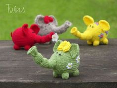 The elephant toys are knitted in round on double pointed needles. They knit up quickly and is a great way to use up small amounts of yarn. by Twins Knit. Find the free pattern here: link
