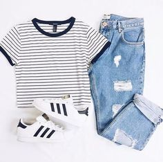 School outfit comfortable and simple Teenager Outfits comfortable outfit school simple Cute Summer Outfits, Cute Casual Outfits, Fall Outfits, Casual Dresses, Long Dresses, Emo Outfits, Simple Outfits For Teens, Simple College Outfits, Skater Outfits