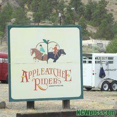 #Appleatchee at the base of #saddlerock in #Wenatchee. #HorsebackRiding #sign #horse #ncwpics