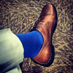 Brown captoes dress shoes and blue socks / Men's style