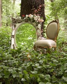 Enchanted Forest - how very Alice in Wonderland :) Alice In Wonderland Garden, Wonderland Party, Dream Garden, Garden Art, Garden Wedding Decorations, Through The Looking Glass, Woodland Wedding, Forest Wedding, Boudoir Photography