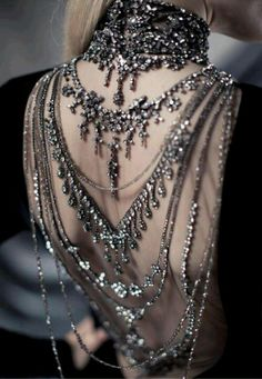 Neo victorian back necklace thingy. I want!                                                                                                                                                                                 More