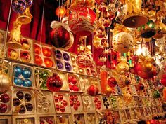 I love German glass ornaments. In the 1880s the American magnate F.W. Woolworth discovered Lauscha's Glaskugeln during a visit to Germany. He made a fortune by importing the German glass ornaments to the US. I would like to see beautiful ornaments at the German Christmas Markets.     #InspiredBy #joingermantradition #Germany25reunified
