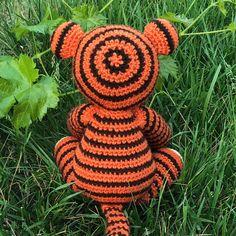 Thomas the Tiger Free Amigurumi Pattern | Jess Huff Crochet Amigurumi Free Patterns, Crochet Animal Patterns, Crochet Dolls, Yarn Crafts For Kids, Diy Crafts, Easy Crochet Projects, Cute Crochet, Cat Eyes, Slip Stitch