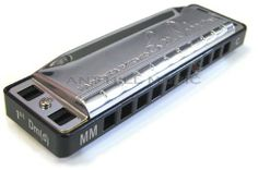 Lee Oskar Melody Maker Harmonica - Key of C by Lee Oskar. $37.99. Melody Makers are the best harps available for playing STANDARD SINGLE-NOTE MELODIES. They're great for playing COUNTRY, R&B, POP, WORLD BEAT, AFRICAN and REGGAE. This tuning makes it easier to play many songs...that can be difficult, or impossible, to play on a standard Major Diatonic...IN CROSS HARP. All of the notes that were missing on the Major Diatonic are right there on the Melody Maker! These harmonic...