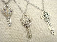 Repurposed Key Necklaces - crafts with recycled keys