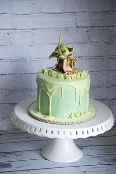 Yoda Drip Cake