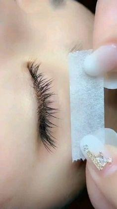 Under Eye Lash Extension Application – Microblading Perfect Eyelashes, Natural Fake Eyelashes, Perfect Eyebrows, Eyelash Extensions Salons, Bottom Lash Extensions, Lash Room, Eyebrow Makeup, Makeup Eyes, Hair Makeup