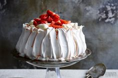 Mini Pavlova, Macarons, Vanilla Cake, Cheesecake, Deserts, Pie, Milan, Foods, Recipes
