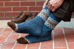 The different types of colors, textures and designs used in knitting socks vary, but you'll be completely satisfied with the sock knitting pattern, Border Socks by Mary Jane Mucklestone. Socks Free Knitting Patterns You Have to Knit Fair Isle Knitting, Knitting Socks, Knit Socks, Men's Socks, Knitted Slippers, Ankle Socks, Knitting Patterns Free, Free Knitting, Knitting Tutorials