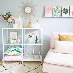 Heb je een prinsesje in huis? Dan verdient ze natuurlijk de mooiste slaapkamer van allemaal! Denk aan gouden accenten, roze accessoires en een leuk vloerkleedje. Mintgroen zorgt daarbij voor een wat rustigere uitstraling, zodat het niet te bont wordt. http://lnk.al/6O9x Liefs, Furn