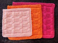 Ravelry: Garter Blocks Dishcloth pattern by nalhcib Knitted Dishcloth Patterns Free, Knitted Washcloths, Knit Dishcloth, Knitting Patterns Free, Knit Patterns, Knitting Tutorials, Knit Cowl, Arm Knitting, Knitting Stitches