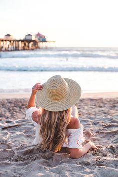 Cara jourdan huntington beach travel & adventure пляж, идеи для фото, к Beach Photography Poses, Beach Poses, Beach Shoot, Beach Portraits, Summer Photography, Beach Trip, Summer Beach, Beach Travel, Summer Time