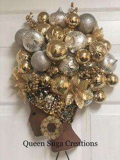 Xmas Wreaths, Deco Mesh Wreaths, Wreaths For Front Door, Door Wreaths, Advent Wreaths, African Christmas, Christmas Diy, Christmas Tables, Christmas Swags