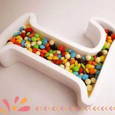 letras huecas golosinas candy bar