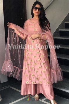 Highlight the traditional opulence with ornamental motifs in Bollywood western suit. Give yourself a versatile Bollywood look with Fashion Trends. #bollywoodqueen #celebritywedding #bollywooddress #ukbridal #boutiqueinus #weddingboutique #indianbride #bridalboutique #bridaloutfit #weddingdress #womenoracle #boutiqueinuk #londonfashionweek #sabyasachidesigner #bridesmaid #mermaids #bollywoodwedding #designeroutfit #wedmegood #traditionaloutfit #fashionweek #receptionwear #engagementoutfit