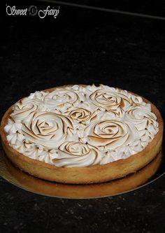 Une bonne pâte sucrée, un lemon curd onctueux et une meringue ferme mais fondante... C'est la tarte au citron meringuée bien sur !  Un incontourn