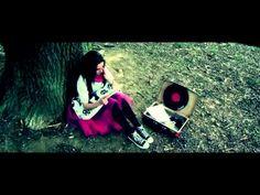 Anna Veselovská - Na ceste - YouTube