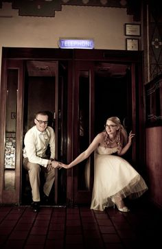 Vintage Hotel Wedding | Jill Photo    Love this Vintage Photo Booth!