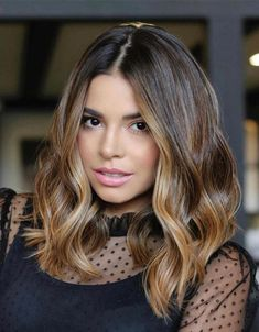 Fresh & Graceful Style of Shoulder Length Hair for 2021