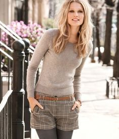 Vogue Quest : Mini skirt/shorts with legging