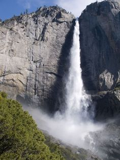 yosemite falls is the highest waterfall in the USA