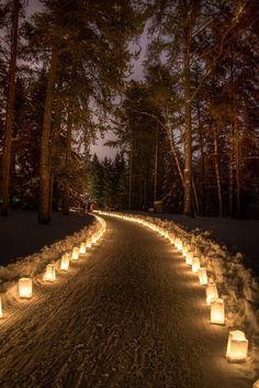 Outdoor lanterns for a snowy road entrance to a winter wedding. | Wedding lighting | DIY wedding lighting