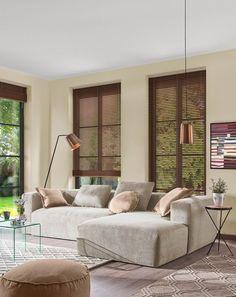 Deze bank is ruim en heeft een uniek design. De ideale comfortabele en stijlvolle plek in je woonkamer. Je zult de hele dag op je bank willen doorbrengen, met of zonder deken. Alles wat je van een bank verwacht vind je in de Blok. #bank #hoekbank #woonkamer #zithoek #living #livingroom #interieur #interior #inspiratie #styling Corner Sofa Chaise, Couch, Seat Foam, 3 Seater Sofa, Foot Rest, Interior Inspiration, Upholstery, Relax, Home Decor
