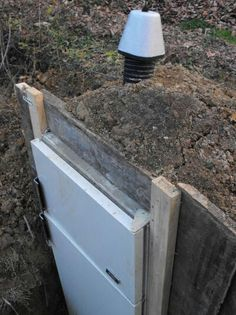 Root cellar - refrigerator buried *** cool idea!!!