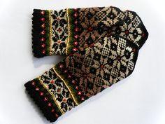 knitted wool mittens by Handicraftart