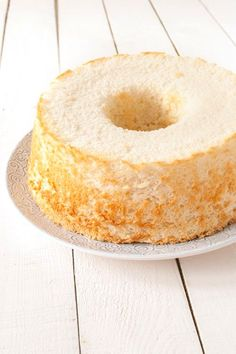 angel food cake - my favorite birthday (or anytime) cake Angel Cake, Angel Food Cake, Sweets Recipes, Cake Recipes, Cake Thermomix, Cake Cookies, Cupcake Cakes, Cakes Plus, Cakes And More