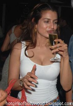 amisha patel drunk