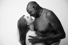 Esse casal de 70 anos nu prova que todos os corpos são bonitos
