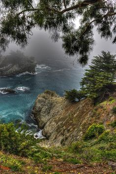 Big Sur Julia Pfeiffer State Park - Central California Coast By Michael Mazaika. To think that I live 45 min from this place and I have never been there. Central California, California Dreamin', Central Coast, Dream Vacations, Vacation Spots, Places To Travel, Places To See, Rivage, Belleza Natural
