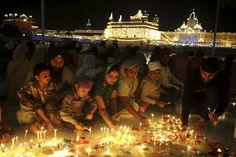Festival of Lights: 6 Ways and Places to Celebrate Diwali in India: Amritsar: A Sacred and Golden Diwali
