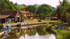 Dapdune Wharf in Guildford is the hub of the Wey Navigations. Historically it was where the Wey barges were built, now its warehouses and waterfront house a visitor centre which tells the story of this 360 year old waterway.