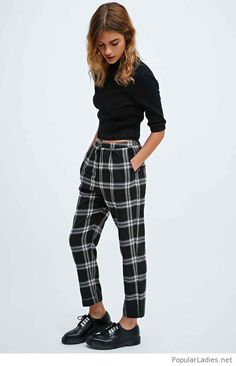 Cooperative Skinny Check Trousers in Black - Urban Outfitters urban outfitters fashion Looks Teen, Checked Trousers, Tailored Trousers, Trousers Women, Business Casual Attire, Cooler Look, Casual Outfits, Fashion Outfits, Girl Outfits