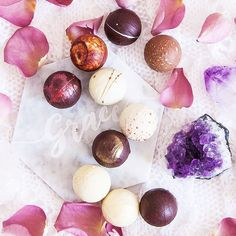 Today we've the very tough job of sampling the world famous @aneeshpopat Water Ganache Collection a new chapter in our beautiful collaboration with the 'Chocolatier to the Royal'. If you love our fragrance-inspired chocolate bars our new chocolate truffles will blow your mind. . #fragranttales #queenofroses . . . . #lolasapothecary #chocolate #finechocolate #artisan #gourmet #fragranceinspired #believeinwellnessandpleasure #crownchakra #british #handmade #luxury #luxelife #charmedlife…