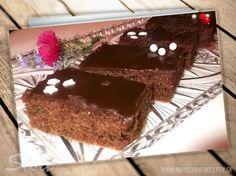 Cuketový perník. #recepty #cuketa #pernik #cokolada Pudding, Desserts, Food, Meal, Custard Pudding, Deserts, Essen, Hoods, Dessert