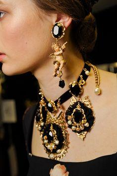 Softly glowing cheeks, statement necklace. Fall 2012 Dolce & Gabbana