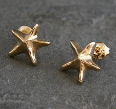 Check out this item in my Etsy shop https://www.etsy.com/listing/52804664/ocean-dream-22k-gold-small-sea-star