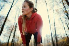 Skąd czerpać siły do działania? 13 zasad specjalisty od zarządzania energią osobistą - Focus.pl Melt Belly Fat, Belly Fat Loss, Lose Belly, 30 Minute Workout, Hard Workout, Tummy Workout, Outdoor Running Workouts, Ab Workouts, Lose Body Fat