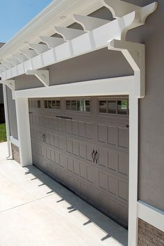 24 Best Of Garage Door Color Ideas & Here Are Tips For Choosing Your Garage Door Color 19 - topzdesign . Garage Door Trim, Garage Door Colors, Garage Door Paint, Garage Door Makeover, Garage Door Design, Garage Doors, Craftsman Garage Door, Garage Exterior, Craftsman Exterior
